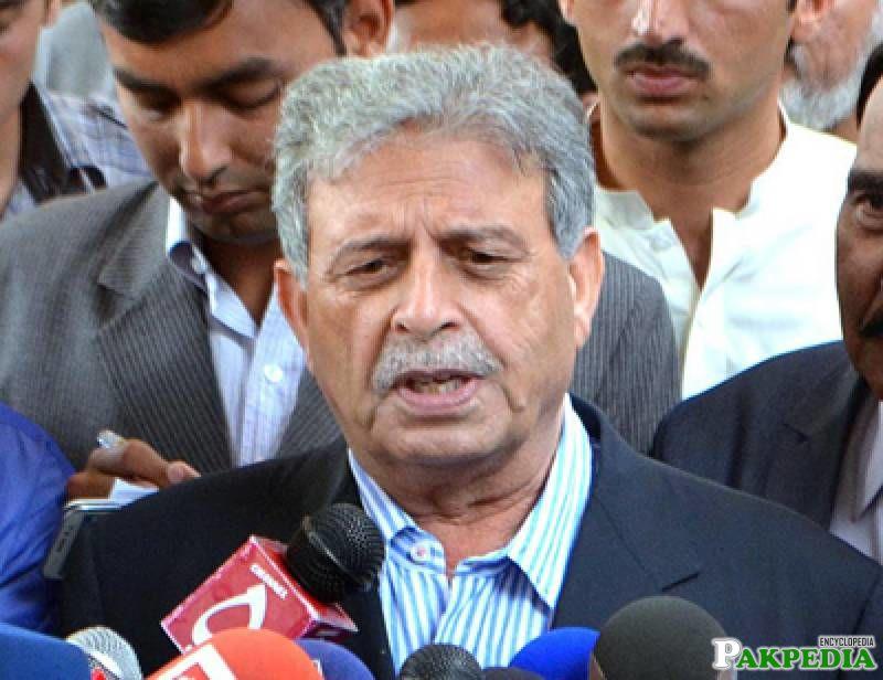 Rana Tanveer Hussain on media talk