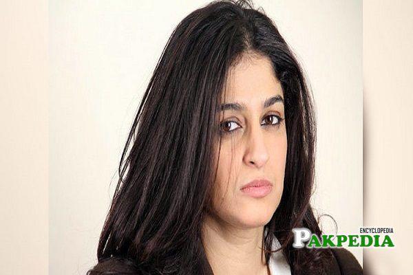 Nadia Jamil Biography