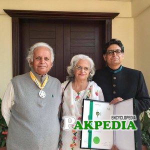 Mustansar hussain was awarded Pride of performance award