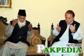 Muhammad Rafiq Tarar with Prime Minister Nawaz Sharif