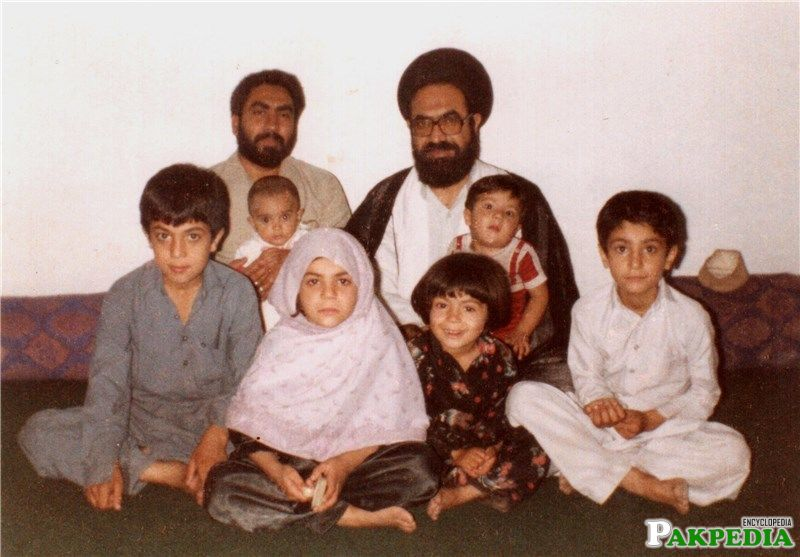Shaheed allama with kids