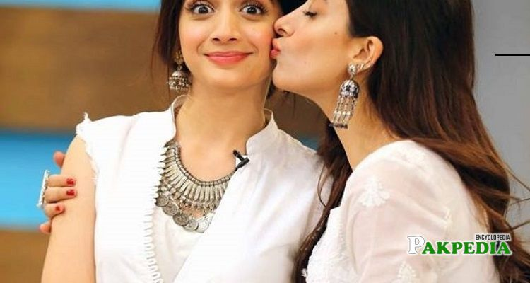 Mawra Hocane with her sister Urwa