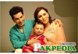 Faakhir Mehmood with wife and child