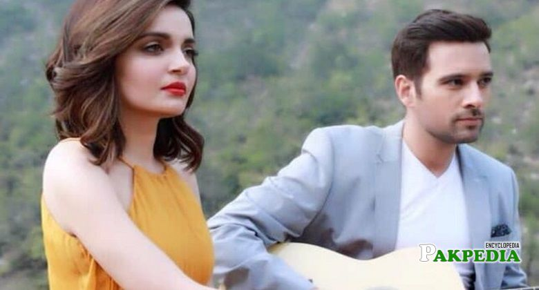 Armeena Khan with Mikaal on sets of 'Sher Dil'