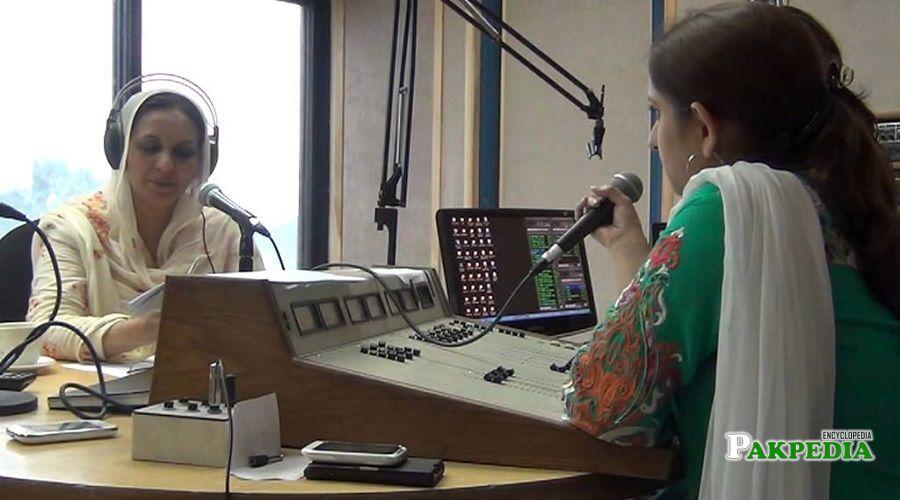 Nausheen Hamid at radio station