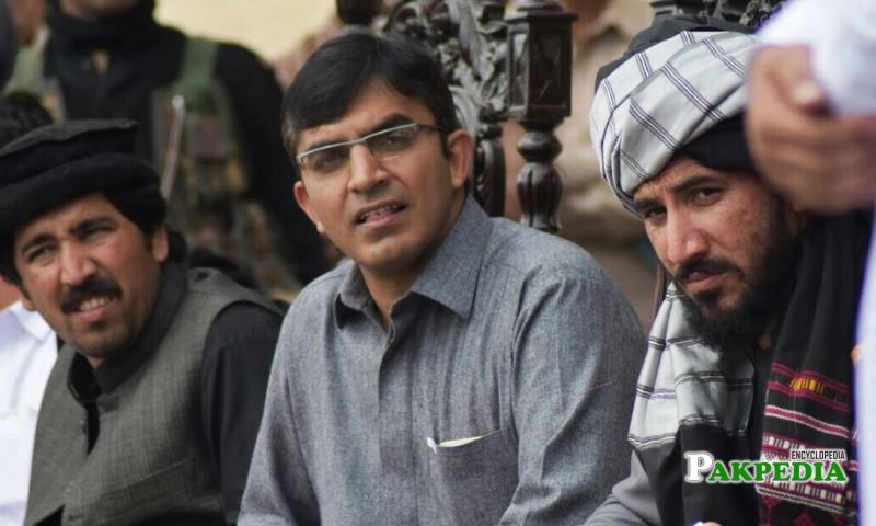 Mohsin dawar with pashtun brothers