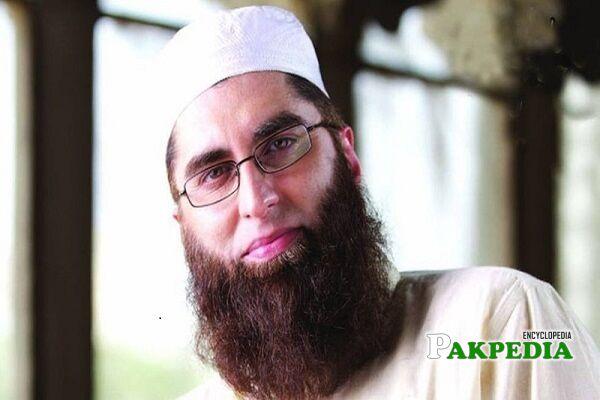 Junaid Jamshed Biography