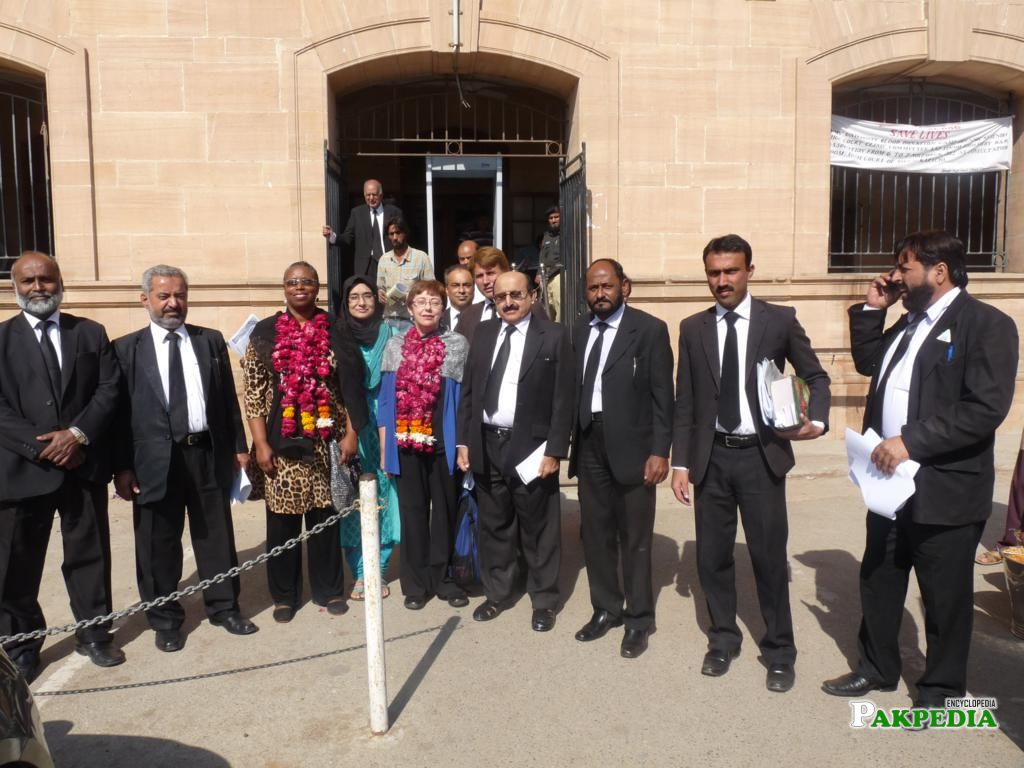 Reception of Sara Flounders and Cynthia Mckinney at Sindh High Court Bar Karach on Monday 3rd December 2012