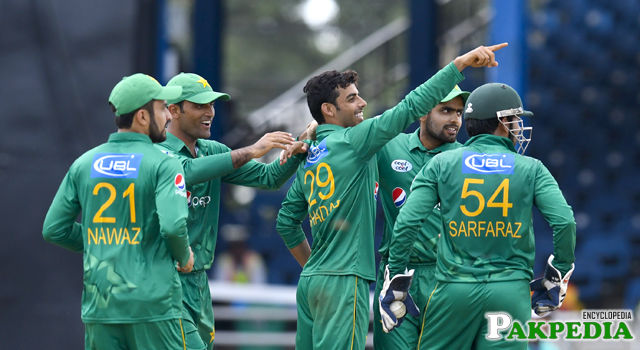 Shadab Khan And Pakistan Team