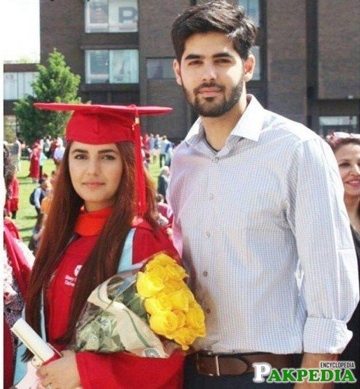 Momina Mustehsan with Brother