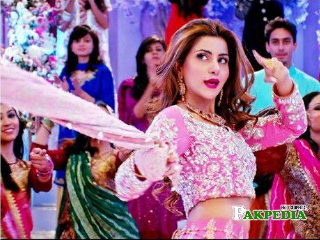 Sohai on set of Jawani phir Nahi ani