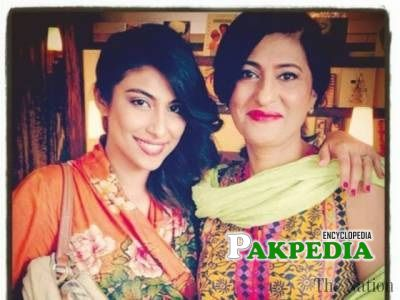 Meesha with her mother Saba Hameed
