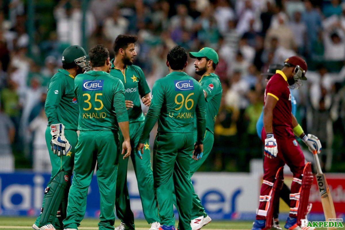 Imad Wasim And Pak Team