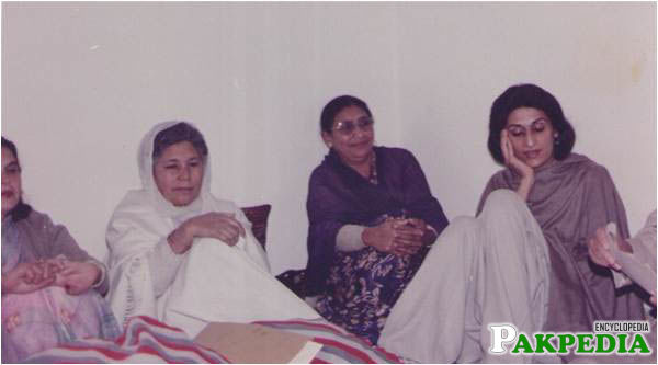 Left to right Bano Qudsia and Begum Intizaar Hussain