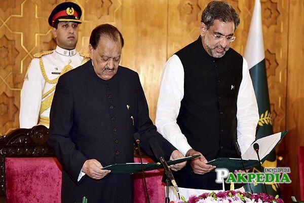 Shahid Khaqan Abbasi Net Worth