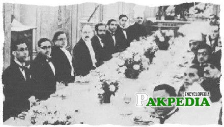 Chaudry Rahmat Ali (left) sitting opposite Allama Mohammad Iqbal and Quaid-e-azam