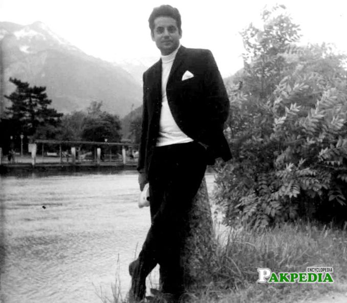 Mustansar hussain at his young age
