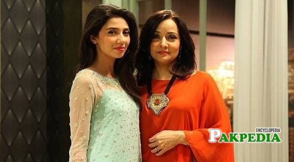 Zeba with Mahira khan