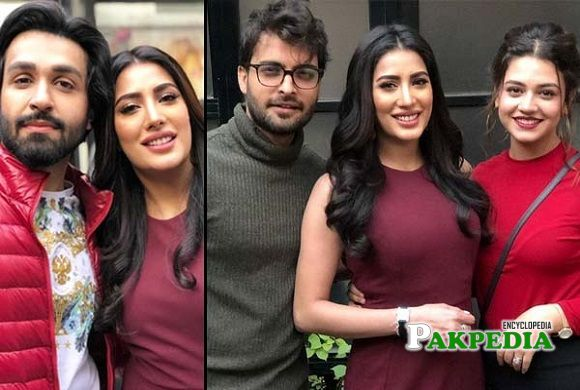 Mehwish hayat with the cast of 'Chaalawa'