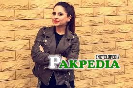 Fatima Effendi is looking cool in this picture