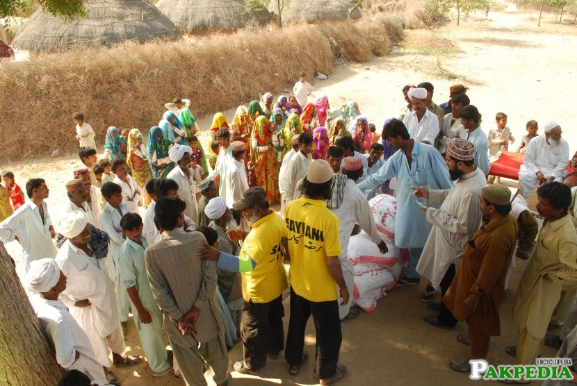 Flour Distribution of Tharparkar of Saylani Welfare Trust