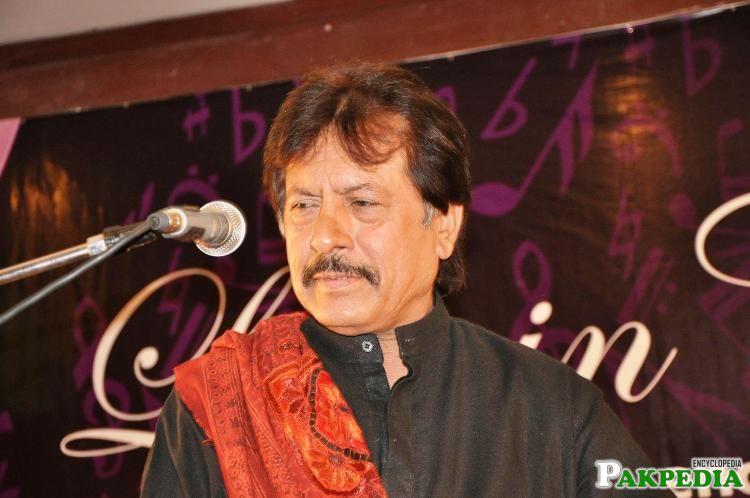 Attaullah Khan Esakhelvi Live on Stage
