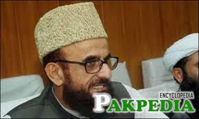 Mufti Muneeb-ur-Rehman giving a interview