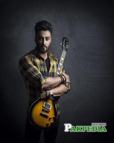 Umair Jaswal Songs