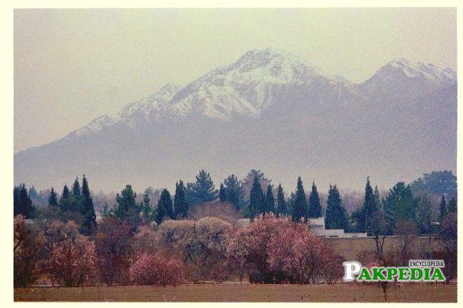 It is the third highest peak in Quetta