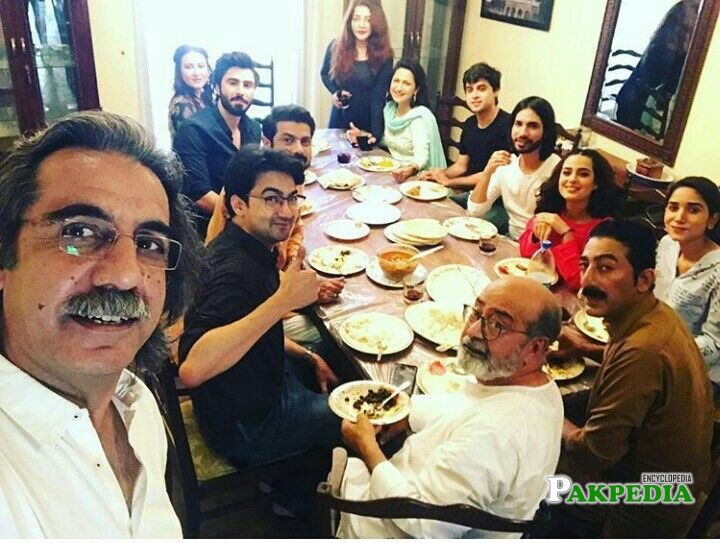 Ahson talish with cast of Suno chanda