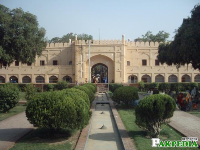 Hazuri Bagh Baradari, built by Ranjit Singh.