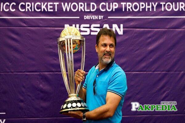 moin khan cricketer