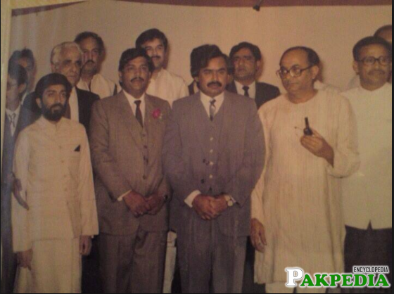FArooq Sattar With Altaf Hussain Old Image