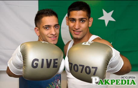 Amir Khan With His Brother During Practise